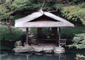 Японская беседка на воде
