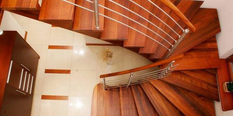 Особенности лестниц с забежными ступенями?