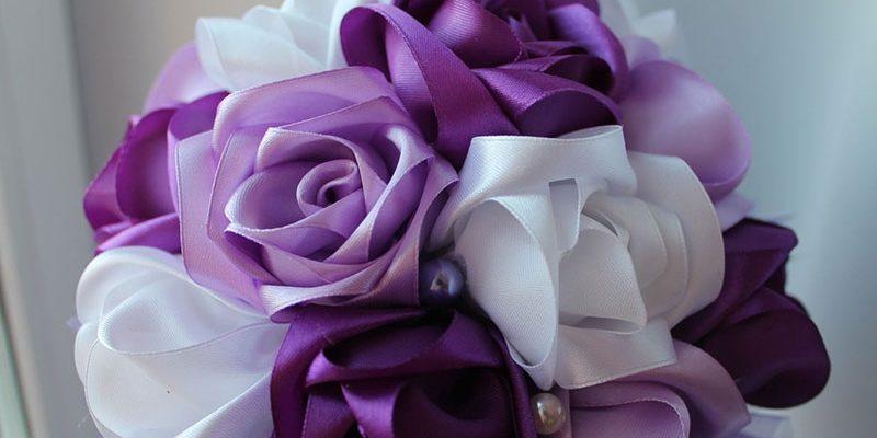 Как сделать цветы из атласных лент своими руками по шагам